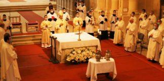 Szent Mihály-búcsú és olajszentelés a gyulafehérvári székesegyházban, 2020. szeptember 29-én • Fotó: templom.ro