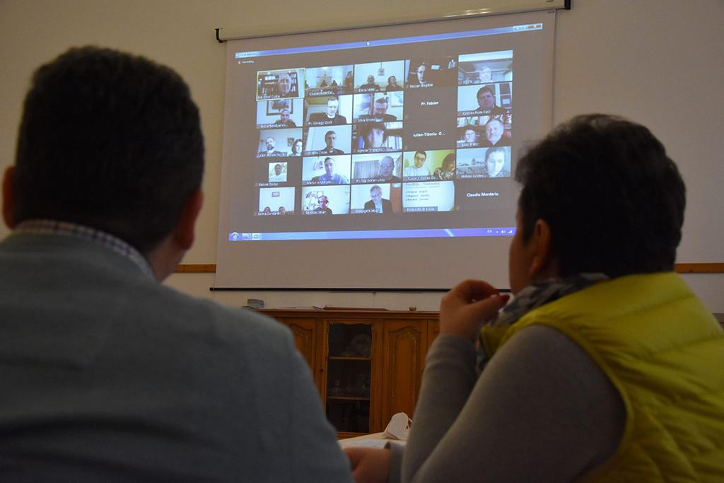 találkozó online beszélgetés